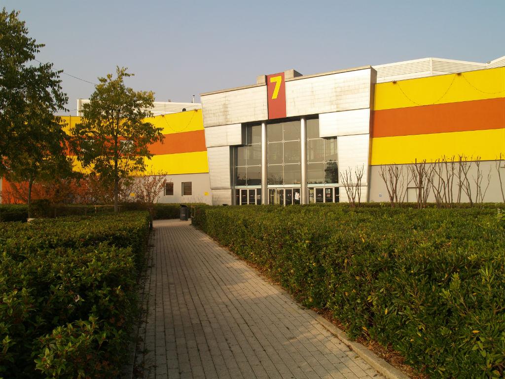 nuovi ingressi centro commerciale - Vicenza